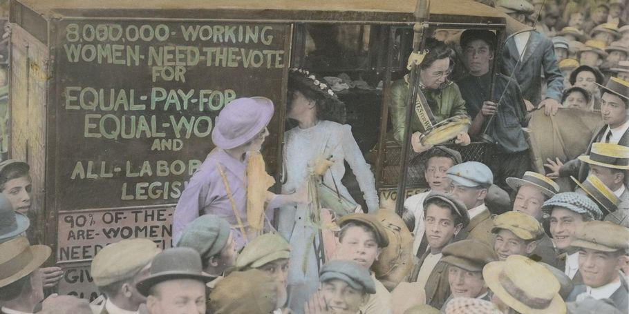 Suffragettes on Way to Boston, 1913